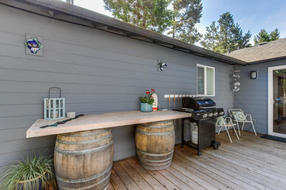 Pacific Dorado Beach House  - Depoe Bay Vacation Rental - Photo 10