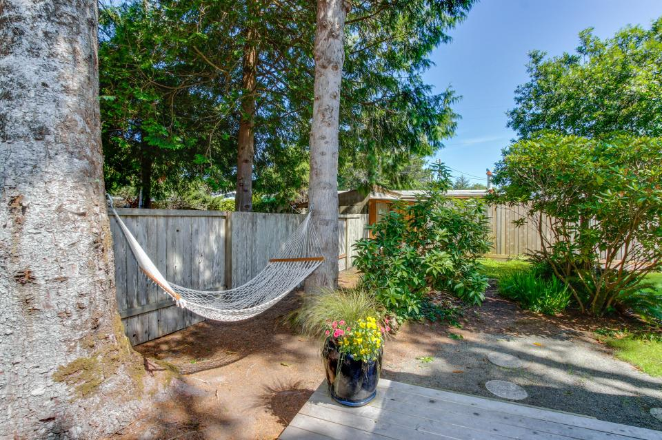 Pacific Dorado Beach House  - Depoe Bay Vacation Rental - Photo 11