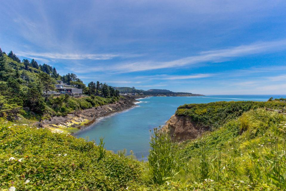 Whale Song of Depoe Bay - Depoe Bay Vacation Rental - Photo 20