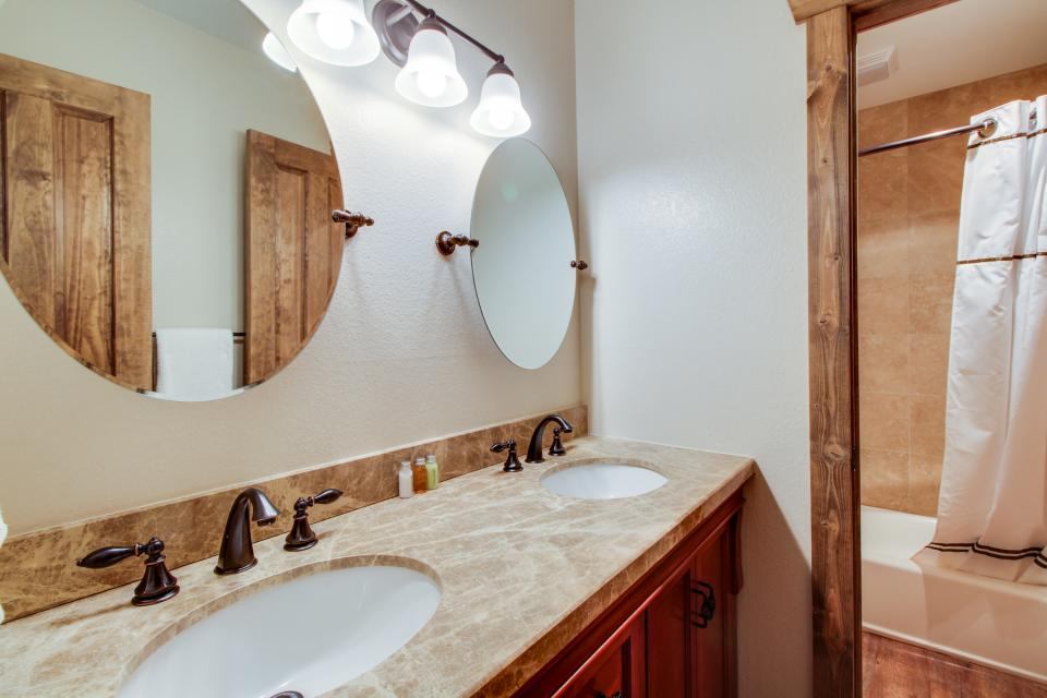 La Vista Chateau - Mammoth Lakes Vacation Rental - Photo 15