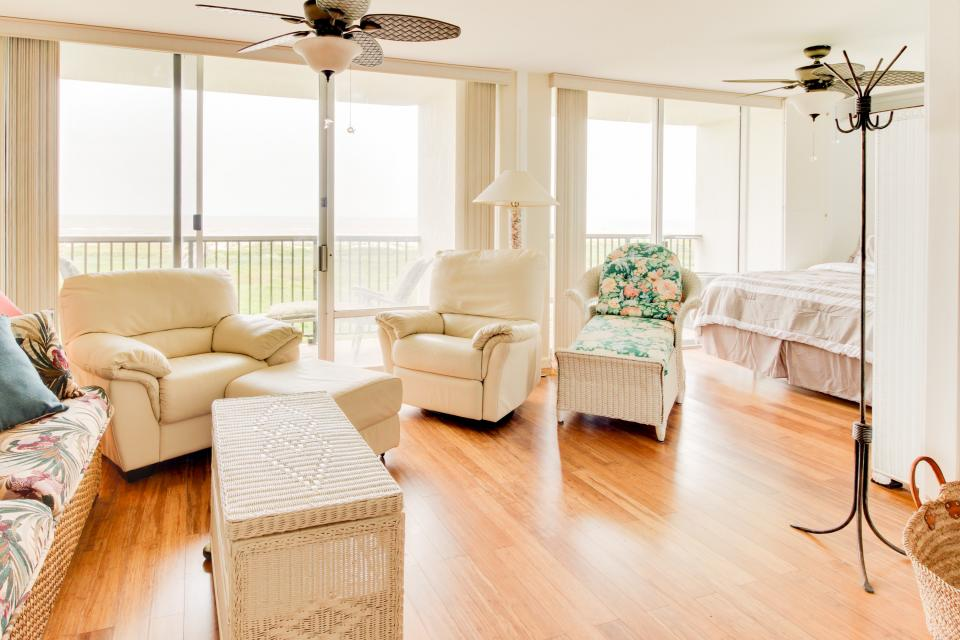 The East Ender - Galveston Vacation Rental - Photo 14