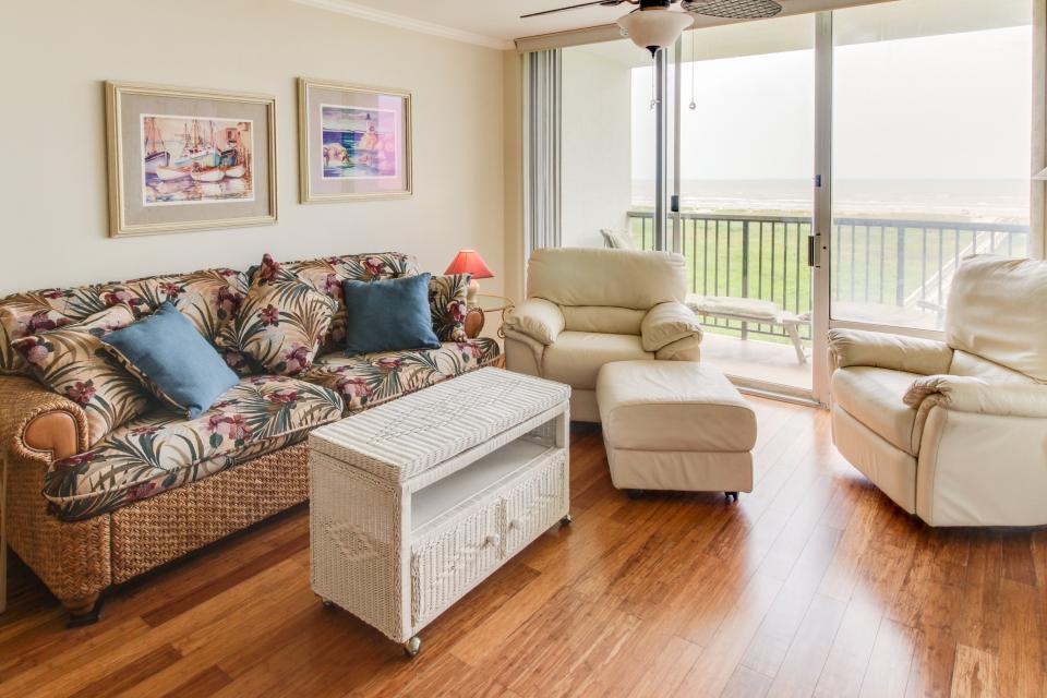 The East Ender - Galveston Vacation Rental - Photo 13