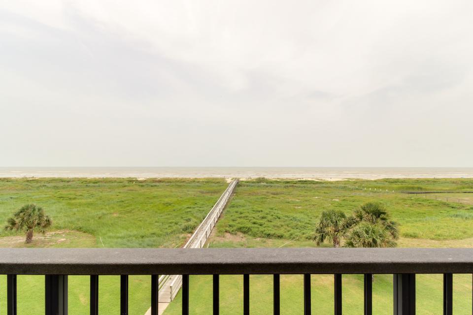 The East Ender - Galveston Vacation Rental - Photo 24