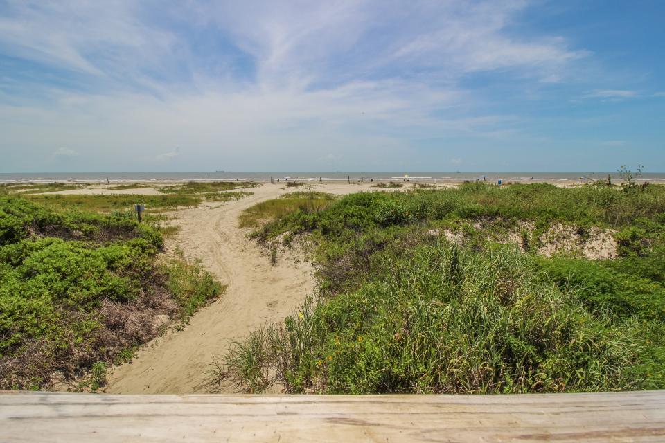 The East Ender - Galveston Vacation Rental - Photo 25