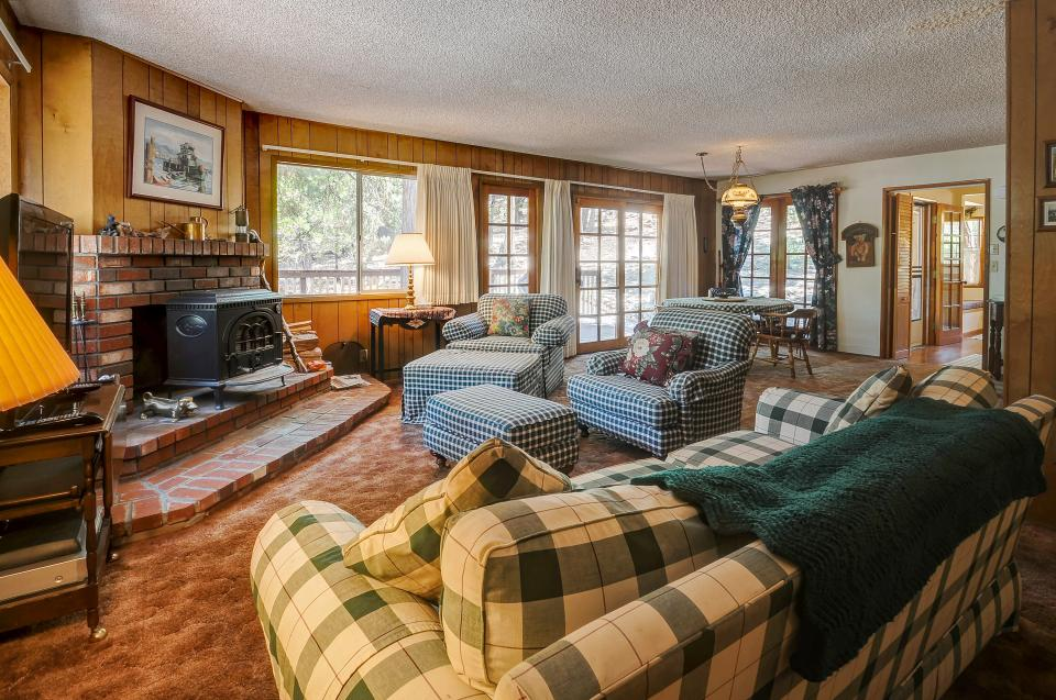 Rustic Pine Manor - Idyllwild Vacation Rental - Photo 2