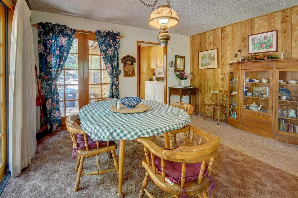 Rustic Pine Manor - Idyllwild Vacation Rental - Photo 3