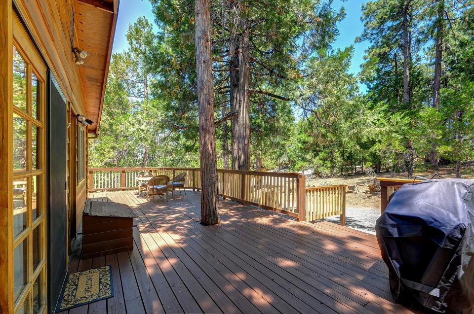 Rustic Pine Manor - Idyllwild Vacation Rental - Photo 6