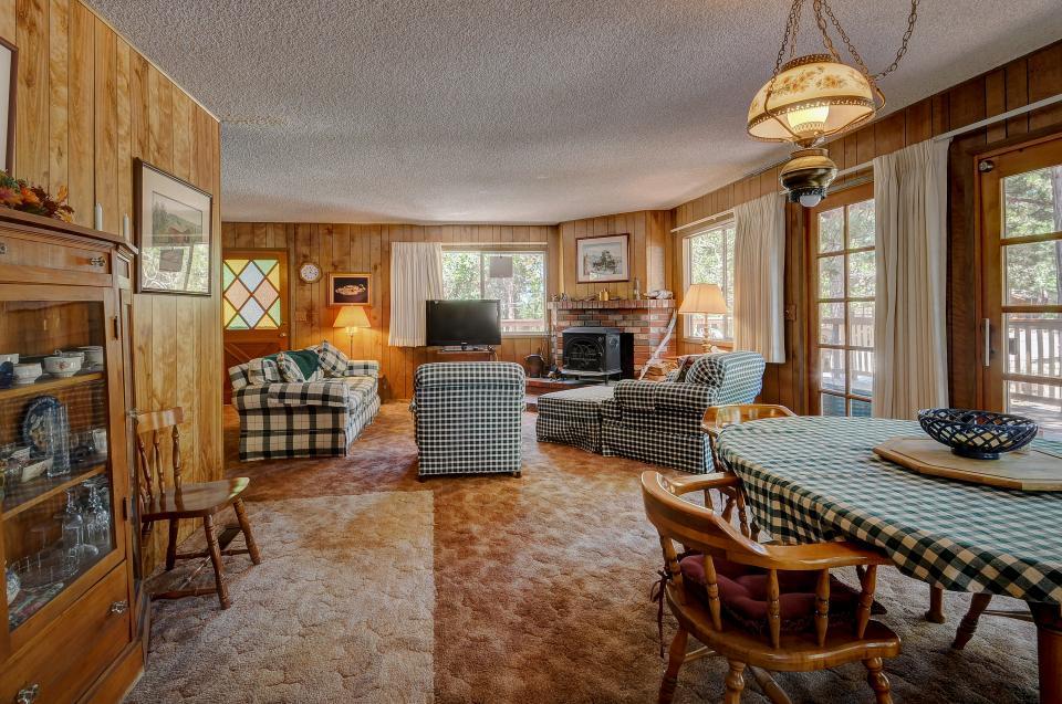 Rustic Pine Manor - Idyllwild Vacation Rental - Photo 8