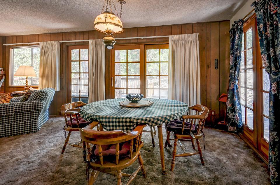 Rustic Pine Manor - Idyllwild Vacation Rental - Photo 9