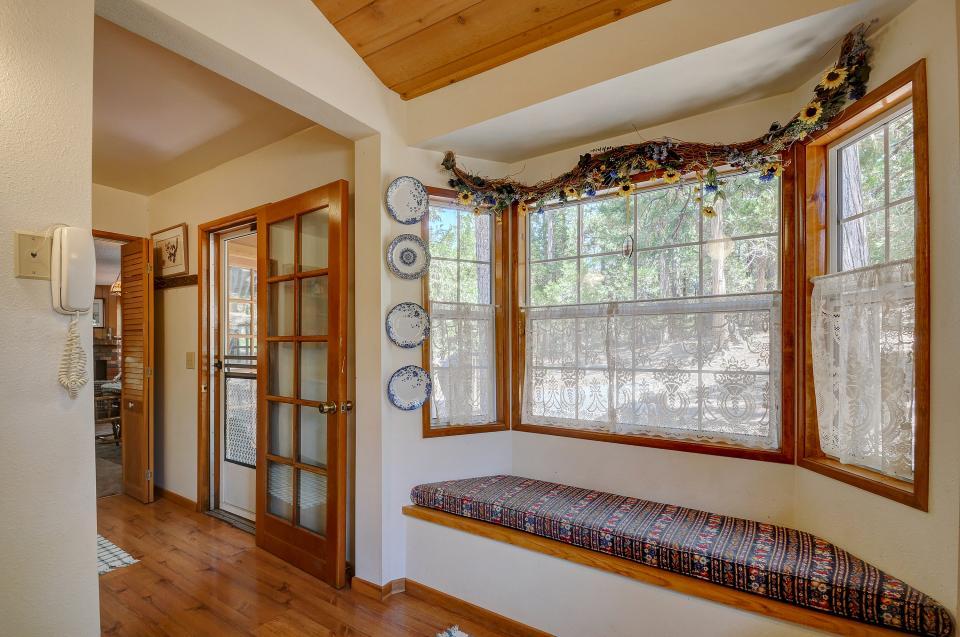 Rustic Pine Manor - Idyllwild Vacation Rental - Photo 14