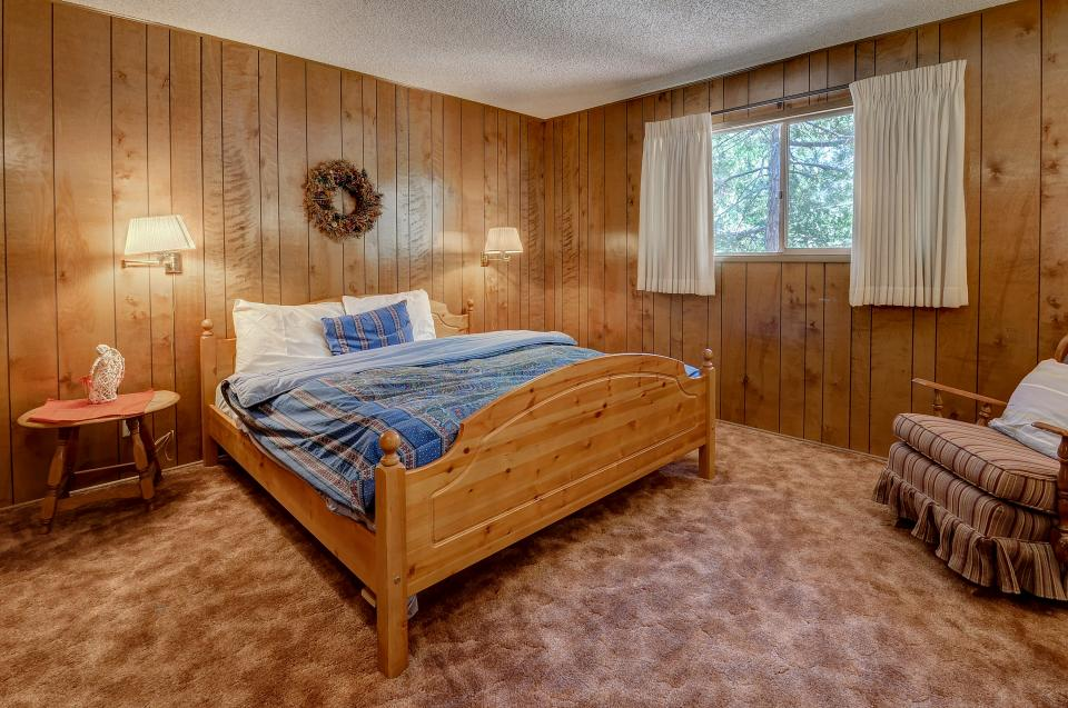 Rustic Pine Manor - Idyllwild Vacation Rental - Photo 15