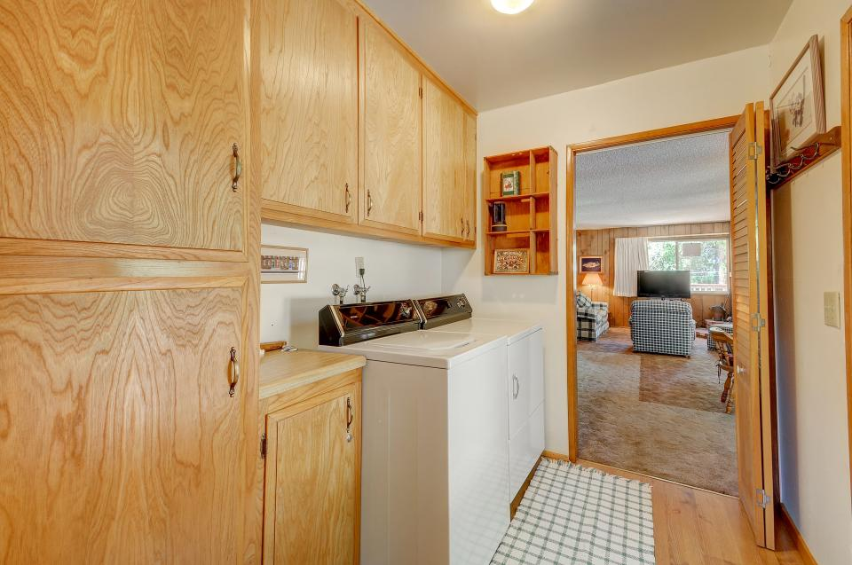 Rustic Pine Manor - Idyllwild Vacation Rental - Photo 25