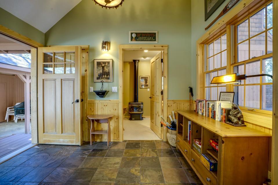 1 Pine Mountain - Sunriver Vacation Rental - Photo 13