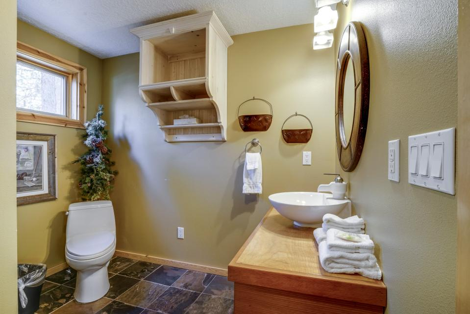 1 Pine Mountain - Sunriver Vacation Rental - Photo 17