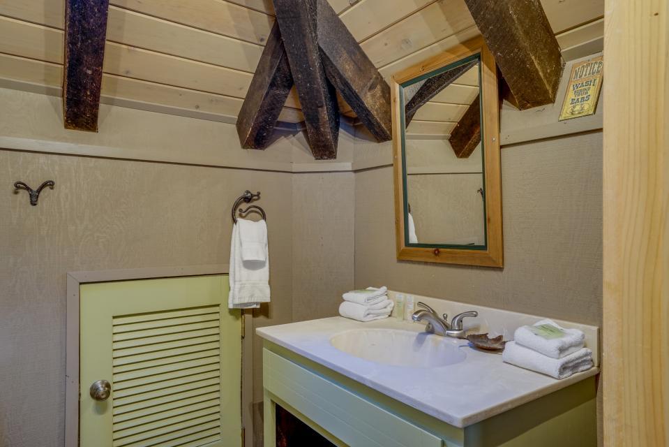 1 Pine Mountain - Sunriver Vacation Rental - Photo 23