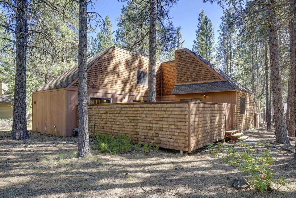 1 Pine Mountain - Sunriver Vacation Rental - Photo 28