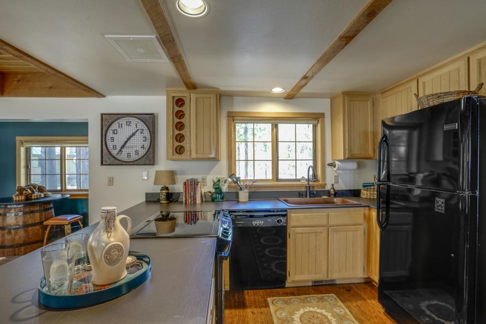 6 East Butte Lane - Sunriver Vacation Rental - Photo 4