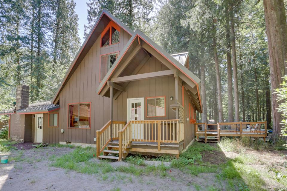 Basecamp 26 - Rhododendron Vacation Rental - Photo 27