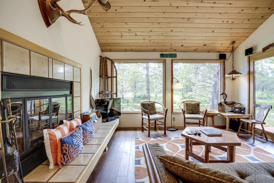Golden Eagle Lane 17 | Discover Sunriver - Sunriver Vacation Rental - Photo 7