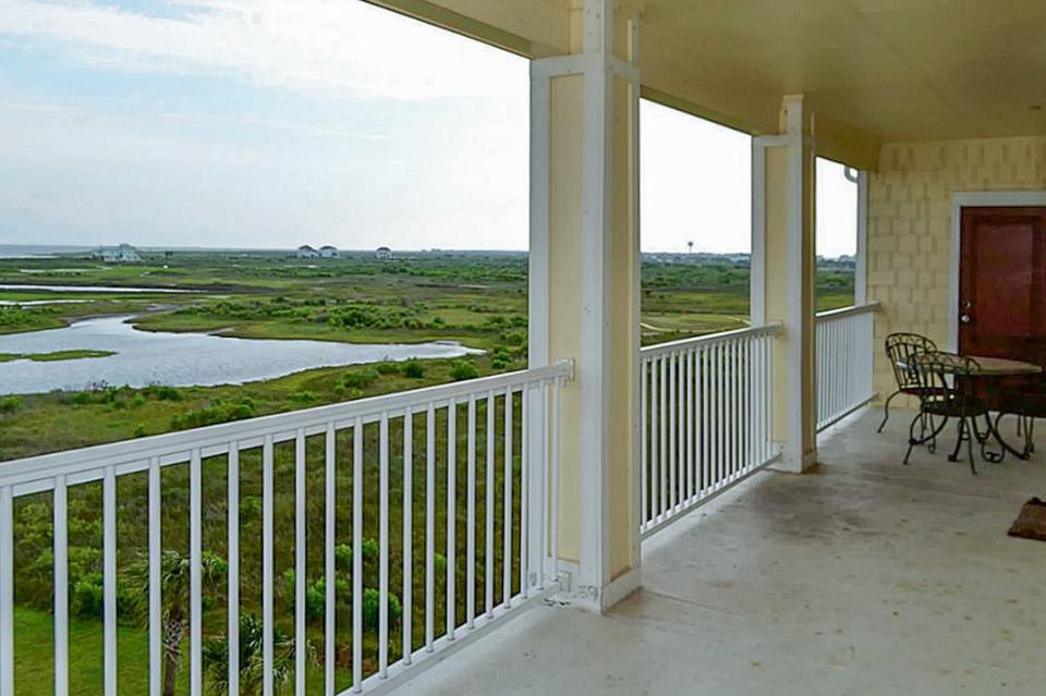 Baywater Bungalow - Galveston - Take a Virtual Tour