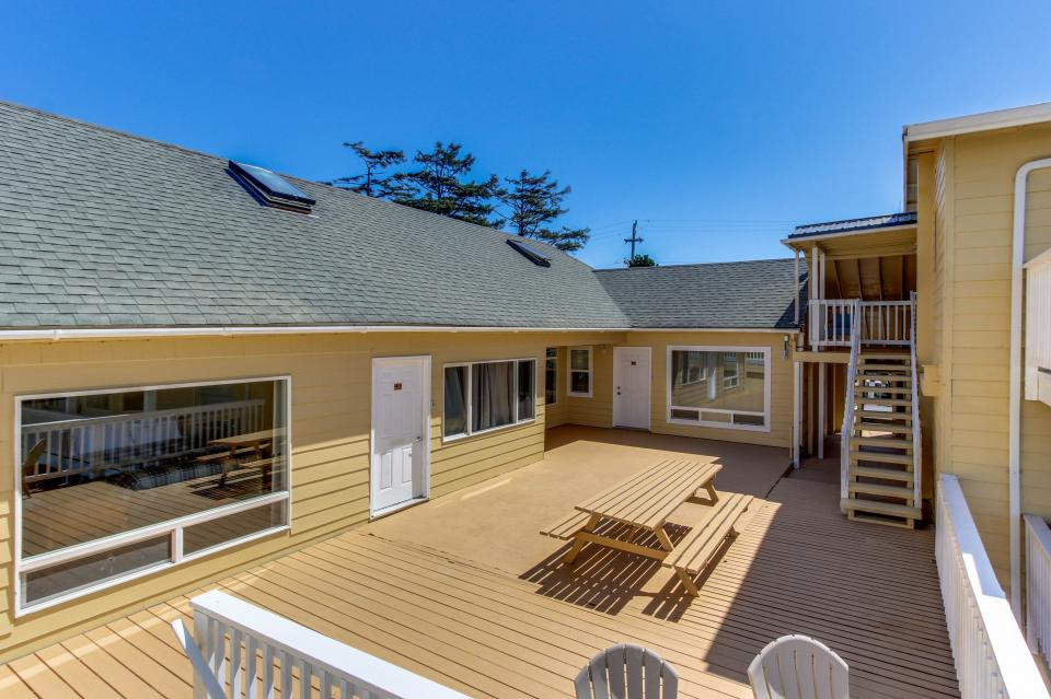 The Whale - Lincoln City Vacation Rental - Photo 42