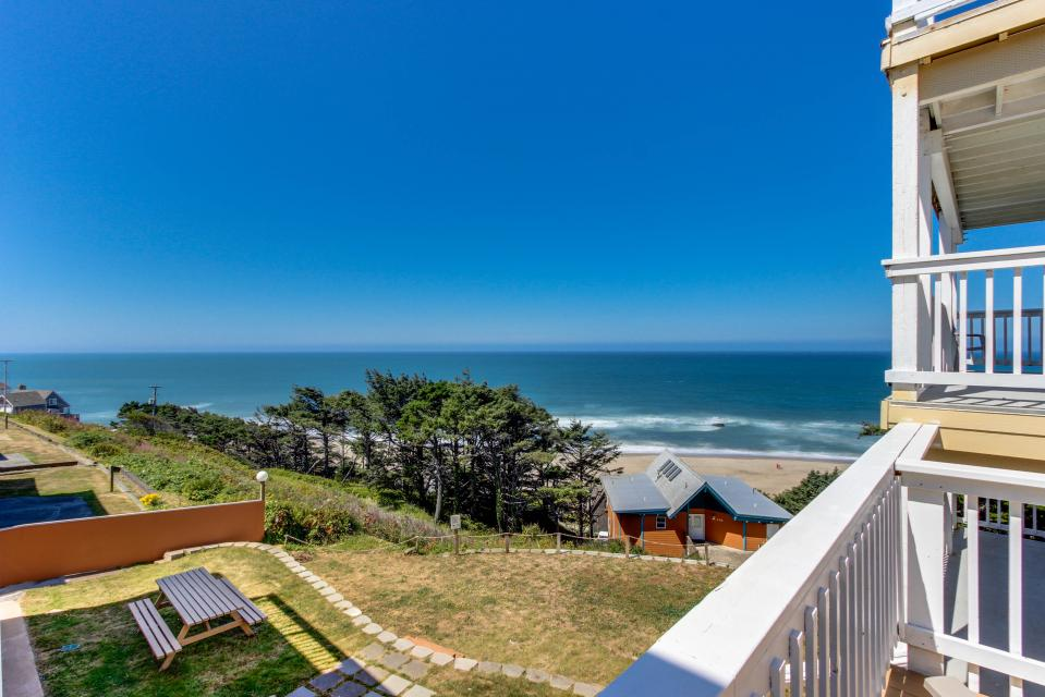 The Whale (Lower) - Lincoln City Vacation Rental - Photo 17