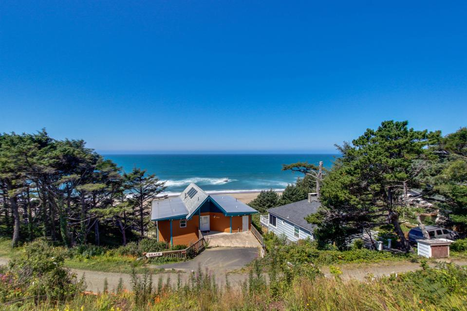 The Whale (Lower) - Lincoln City Vacation Rental - Photo 22