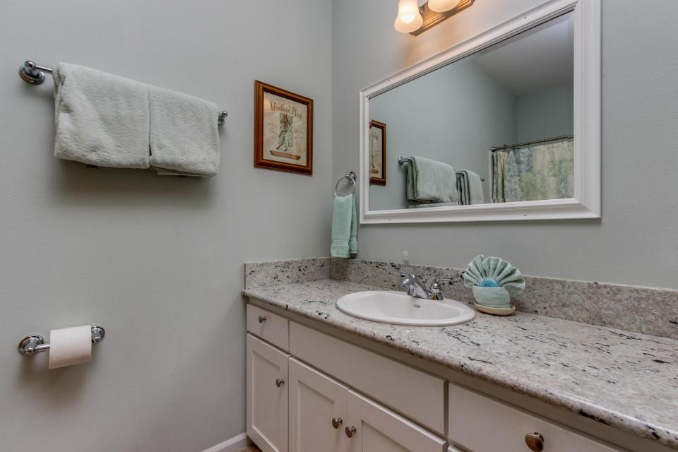 SeaScape - Lincoln City Vacation Rental - Photo 11