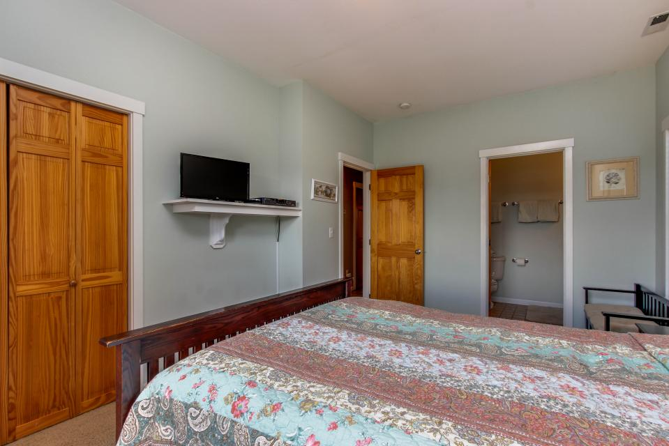 SeaScape - Lincoln City Vacation Rental - Photo 10