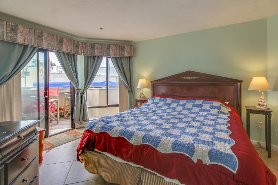 Ocean Shore Holiday - San Diego Vacation Rental - Photo 18