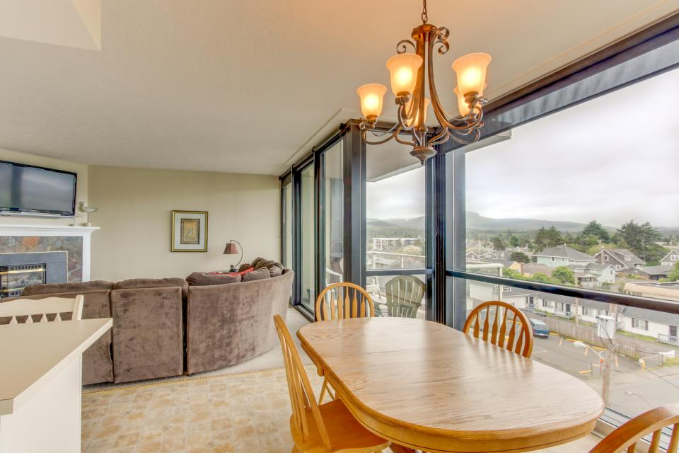 Sand & Sea: The Holladay (418) - Seaside Vacation Rental - Photo 10