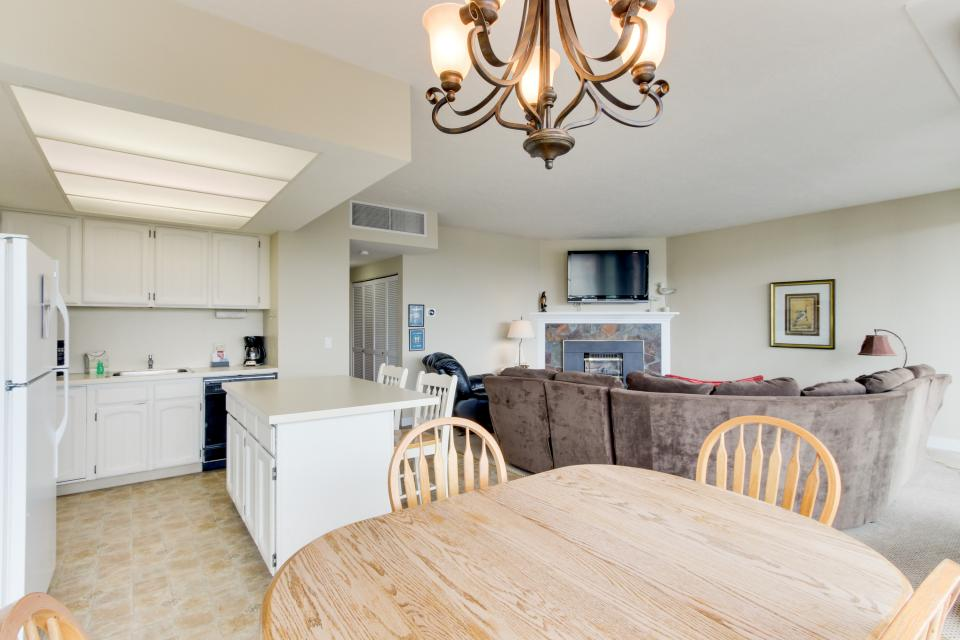 Sand & Sea: The Holladay (418) - Seaside Vacation Rental - Photo 32