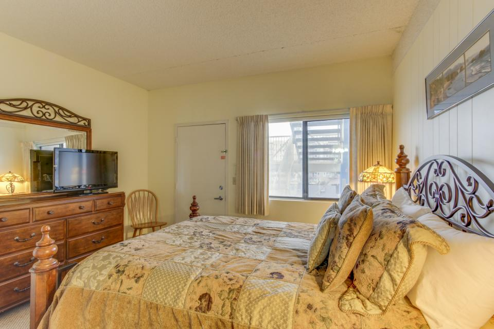 Sand & Sea: The Holladay (418) - Seaside Vacation Rental - Photo 29