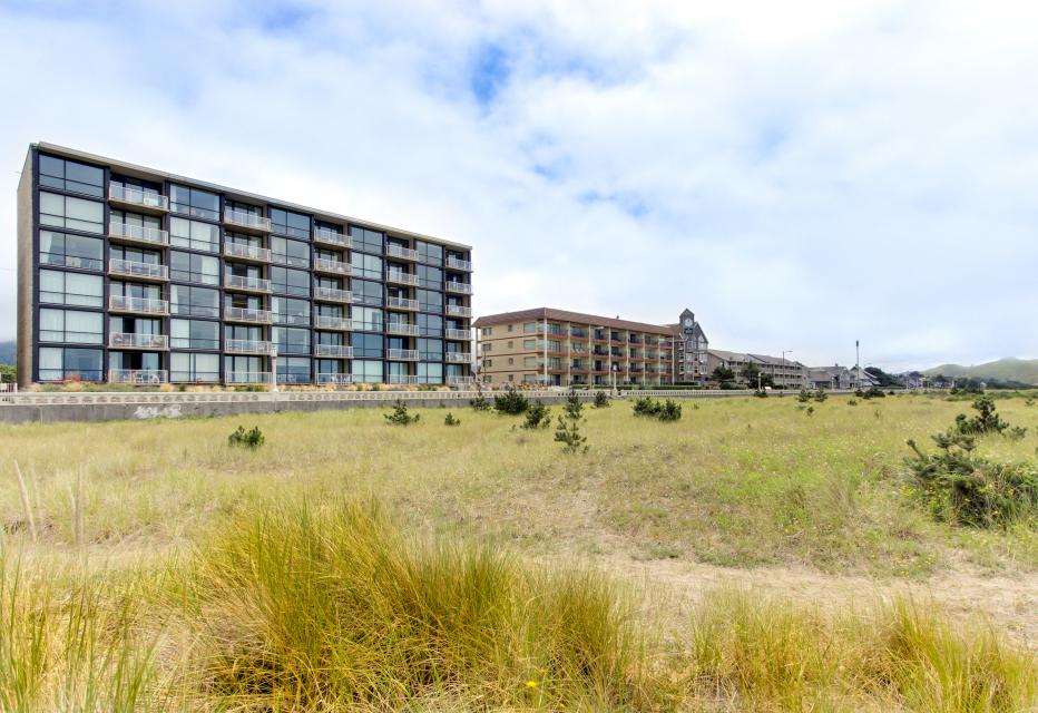 Sand & Sea: The Holladay (418) - Seaside Vacation Rental - Photo 2
