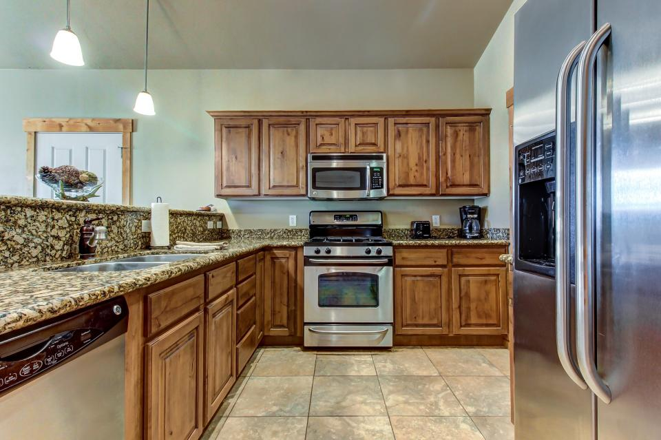 Cozy Bear Hollow Condo - Park City Vacation Rental - Photo 14
