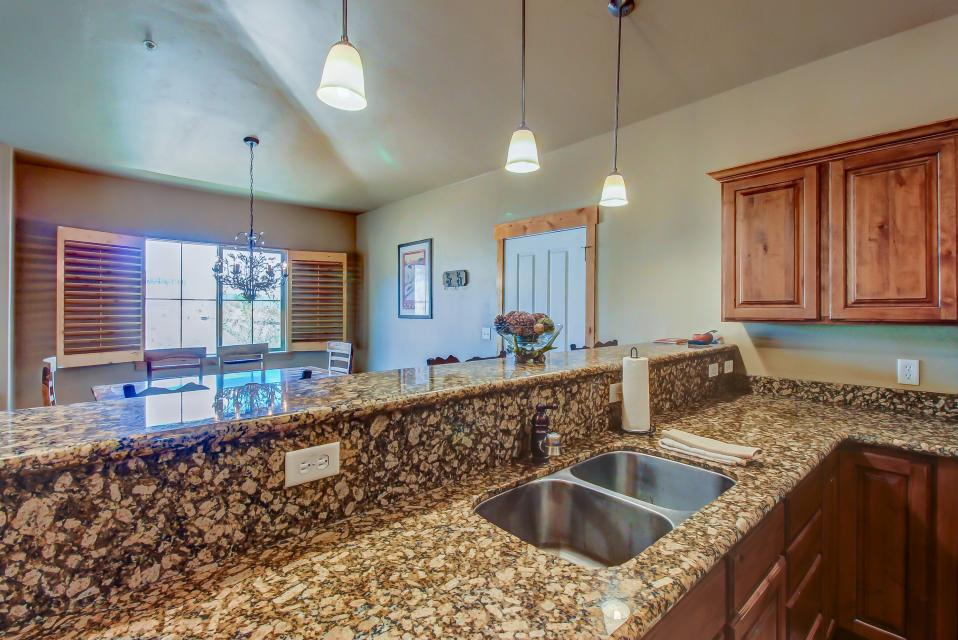 Cozy Bear Hollow Condo - Park City Vacation Rental - Photo 16