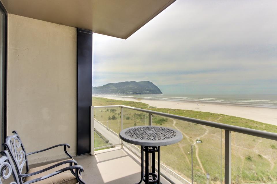 Sand & Sea: Haystack Rock (508) - Seaside Vacation Rental - Photo 1