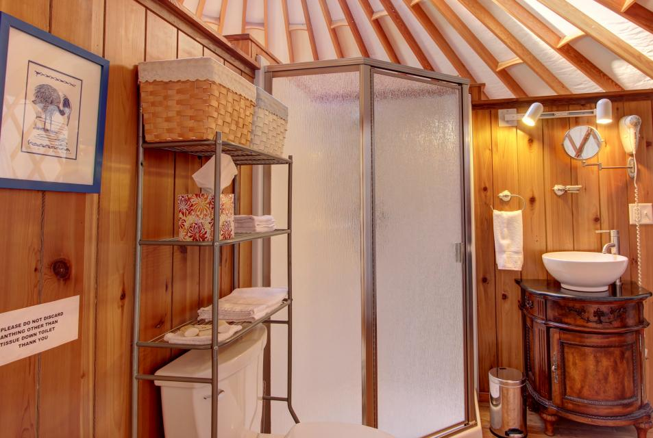 Yurt on the Bay - Bay City Vacation Rental - Photo 15