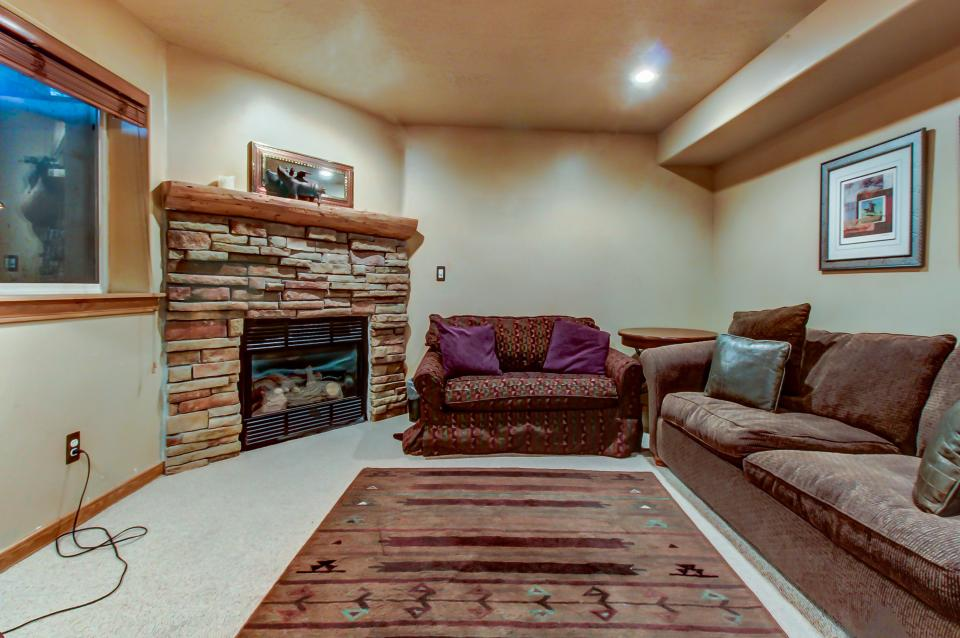 Bobsled Townhome with Private Hot Tub - Park City Vacation Rental - Photo 19
