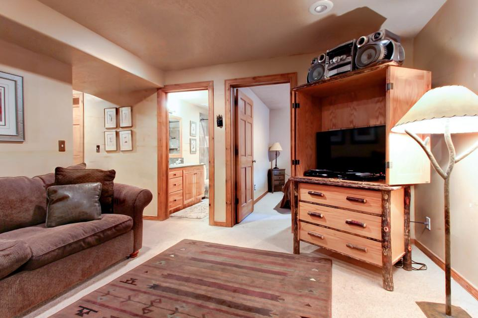 Bobsled Townhome with Private Hot Tub - Park City Vacation Rental - Photo 20