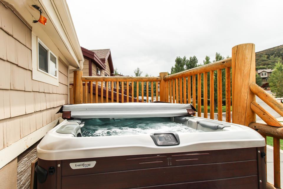 Bobsled Townhome with Private Hot Tub - Park City Vacation Rental - Photo 33