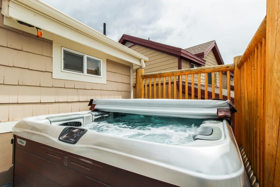 Bobsled Townhome with Private Hot Tub - Park City Vacation Rental - Photo 34
