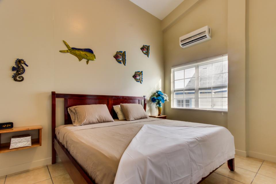 Downtown Nest South - San Pedro Vacation Rental - Photo 23