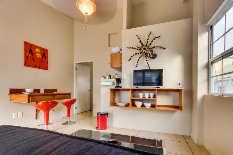 Downtown Nest South - San Pedro - Take a Virtual Tour