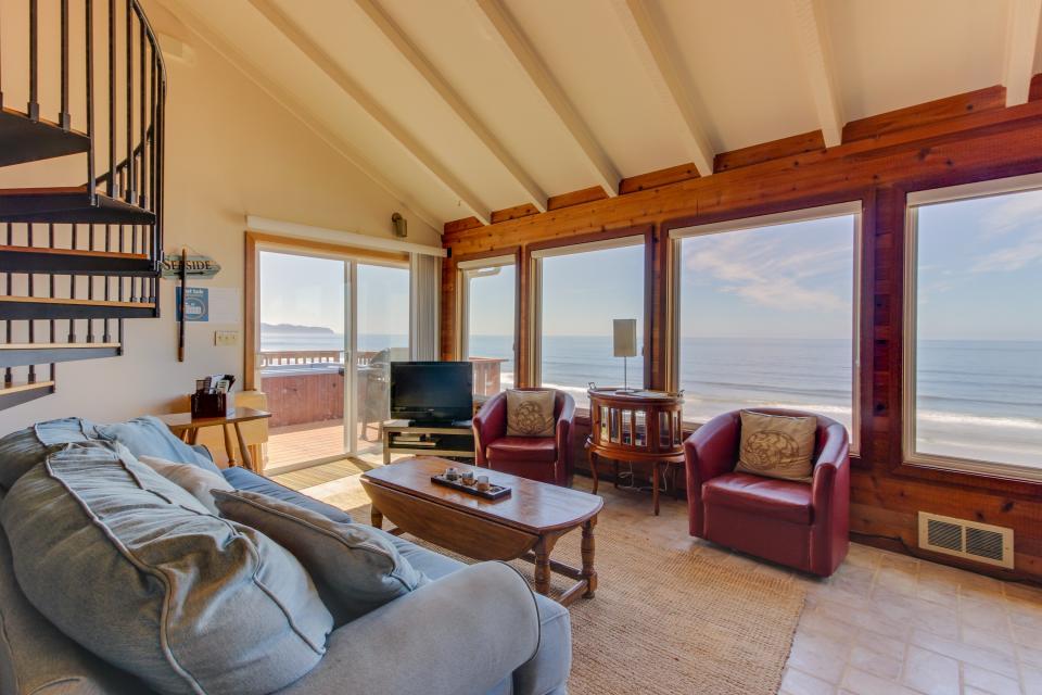 Blue Sea Oceanfront Cottage - Oceanside Vacation Rental - Photo 27