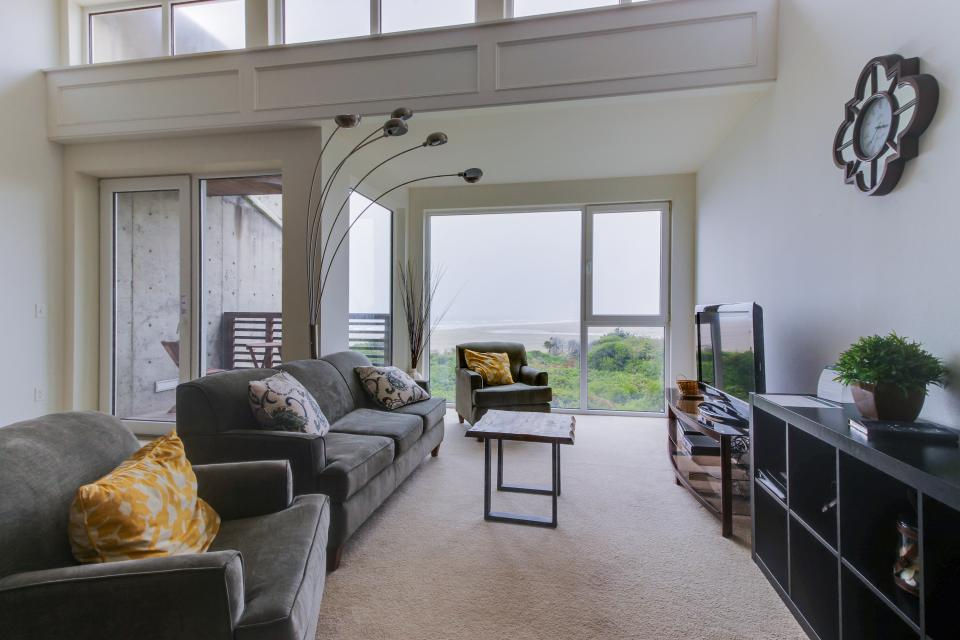 The Bridgehampton #207 - Rockaway Beach Vacation Rental - Photo 3