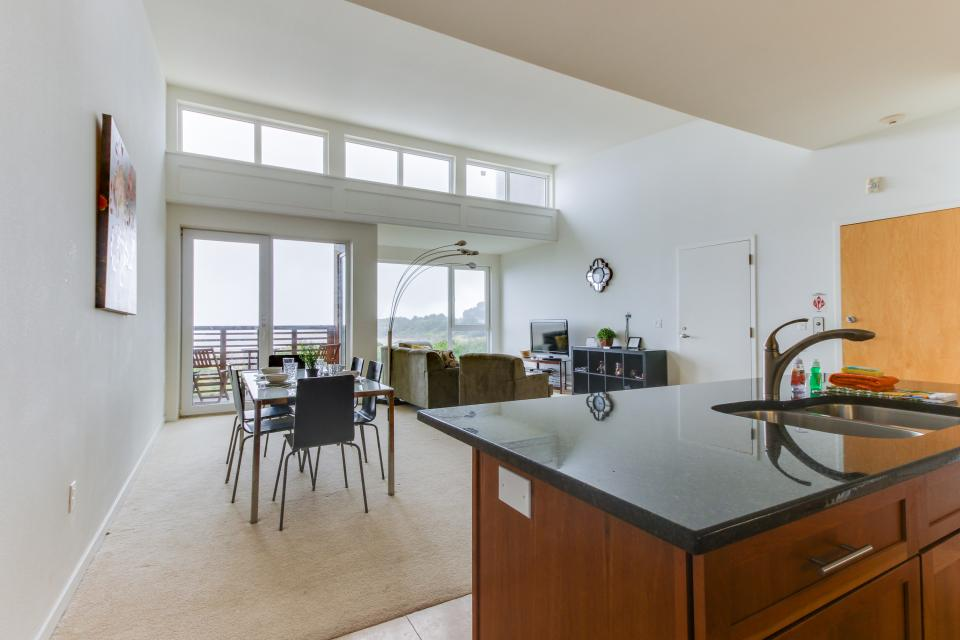 The Bridgehampton #207 - Rockaway Beach Vacation Rental - Photo 18