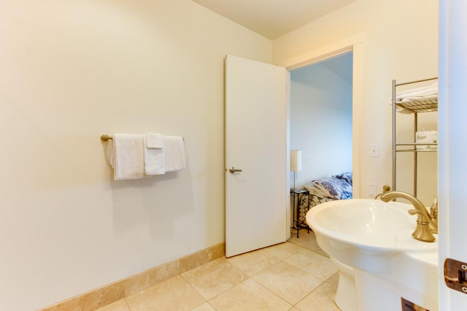 The Bridgehampton #207 - Rockaway Beach Vacation Rental - Photo 23