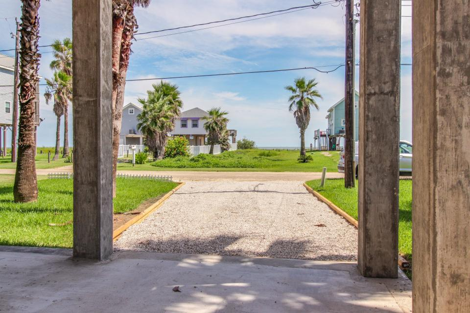 Sea Breeze Cottage - Galveston Vacation Rental - Photo 34