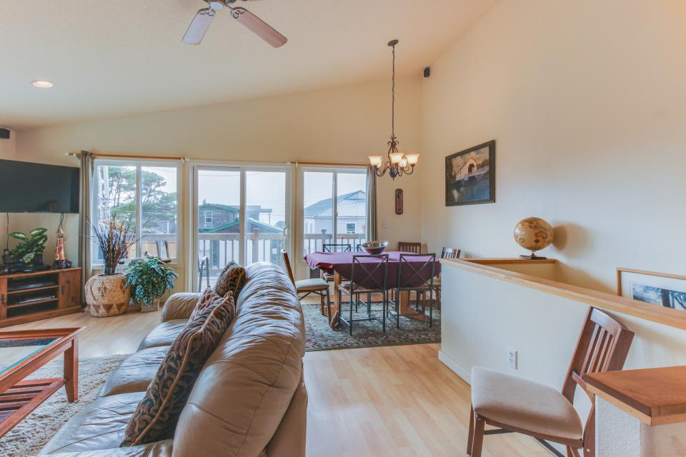 Pacific Ave, Park Place & Boardwalk - Rockaway Beach Vacation Rental - Photo 19
